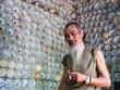 """El señor Truong """"loco"""" y la vivienda hecha de cerámica antigua única en la provincia vietnamita de Vinh Phuc"""