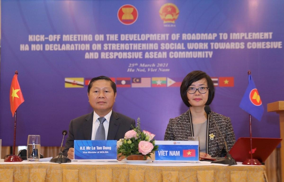 El viceministro de Trabajo, Inválidos de Guerra y Asuntos Sociales de Vietnam, Le Tan Dung, participa en el evento. (Foto: VNA)