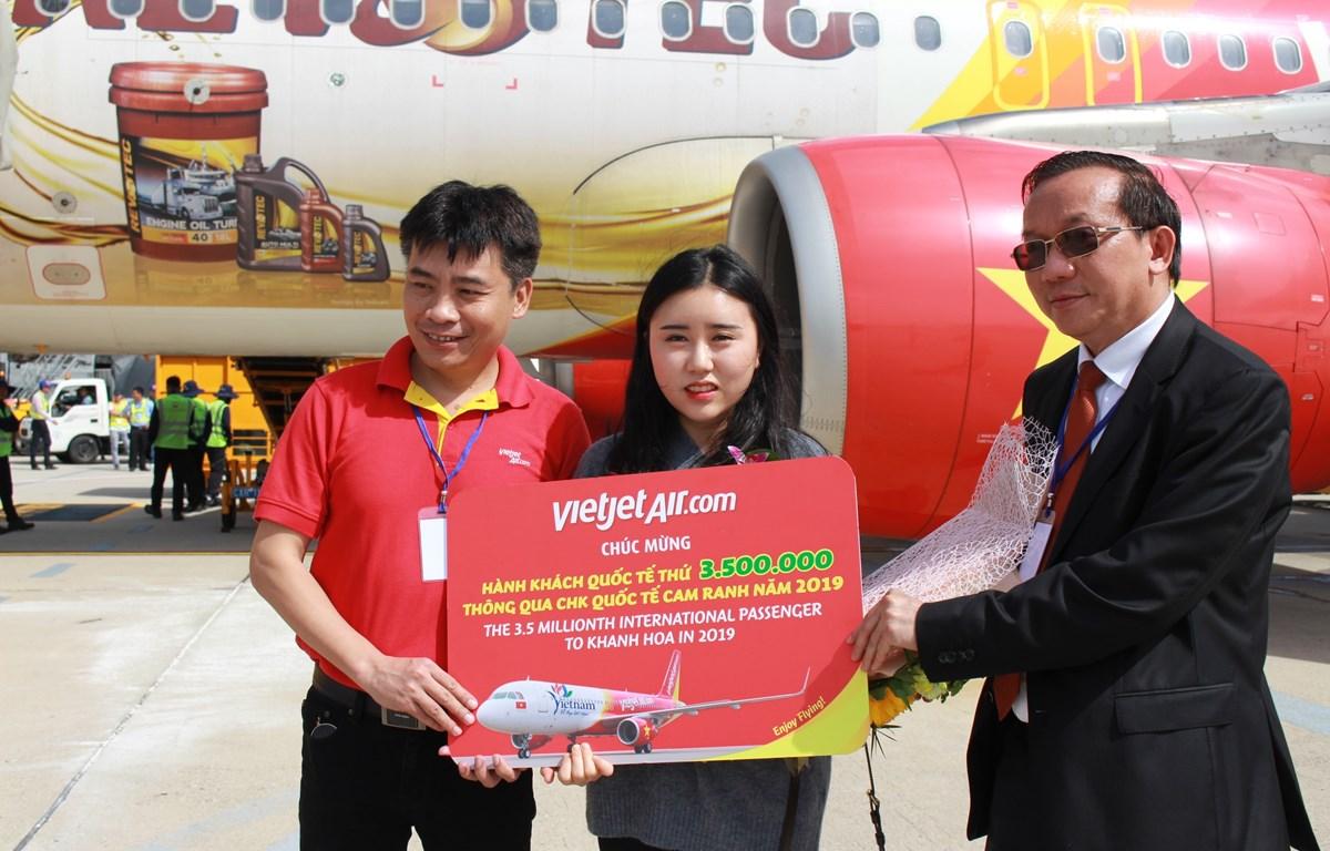 Recibe turista número tres millones 500 mil provincia central de Khanh Hoa