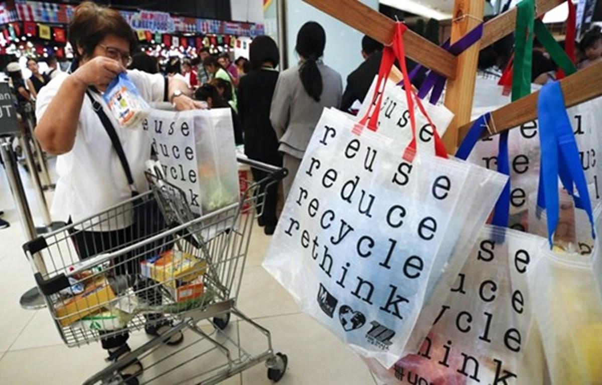 Prohíbe Yakarta bolsas de plástico de un solo uso