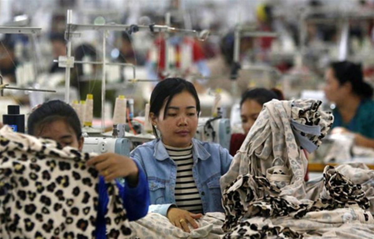 Mayoría de fábricas funcionan durante fiesta de año nuevo en Camboya