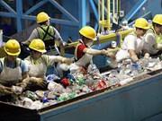 Supervisan proyecto de tratamiento de residuos sólidos en Quang Ngai