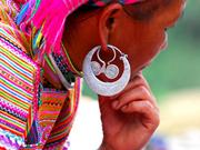 Zarcillos, símbolo de cultura de etnia Mong
