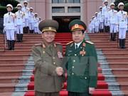 Ministro vietnamita de Defensa recibe a delegación militar del Corea del Norte