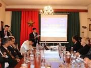 Discuten en República Checa sobre Mar del Este y libre navegación marítima