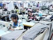 Cambodia: alrededor de 150 empresas textiles cerradas en 2015
