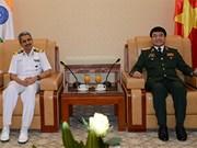 Vietnam y la India intensifican la cooperación en defensa