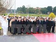 Líderes rinden tributo al Presidente Ho Chi Minh en ocasión de fundación del PCV