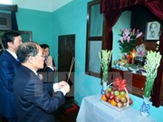 Rinden tributo al Presidente Ho Chi Minh con motivo del año nuevo lunar
