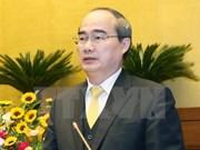 Dirigente del Frente de la Patria recibe al arzobispo de Ciudad Ho Chi Minh