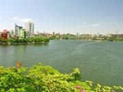 Truc Bach, apacible lago en el seno de un bullicioso Hanoi