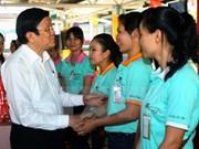 Presidente vietnamita felicita a trabajadores en ocasión del Tet