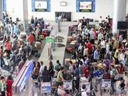 Aeropuerto de Noi Bai activo en los primeros días del año nuevo lunar