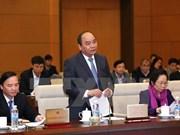Parlamento vietnamita escruta informe de trabajo de gobierno y premier