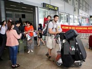 Continúan en alza llegadas de turistas extranjeros a Vietnam