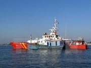 Rescatan a pescadores náufragos vietnamitas en Hoang Sa