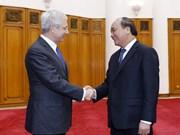 Vietnam y Francia robustecen relaciones bilaterales