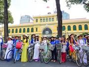 Festival de Ao dai en Ciudad Ho Chi Minh fascina al público y turistas