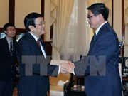 Presidente vietnamita destaca aportes del embajador singapurense a nexos bilaterales