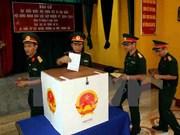 Ciudadanos en Truong Sa participan en votaciones generales tempranas