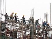 Analizan en Vietnam medidas para perfeccionar estándares y relaciones laborales
