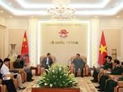 Ministro de Defensa de Vietnam elogia contribuciones de los embajadores