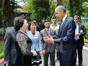 Barack Obama visita palafito del Presidente Ho Chi Minh