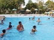 Escuelas en Ciudad Ho Chi Minh ofrecerán clases de natación