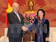 Líder parlamentaria de Vietnam recibe a embajadores de Rusia y Japón