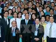 Premier pide a la prensa acompañar a empresas en integración económica