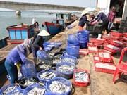 Opinión pública apoya solución del Gobierno ante la muerte masiva de peces