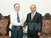 Premier de Vietnam valora proyecto chino de producción de paneles solares