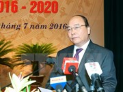 Premier urge estudiar experiencia global en desarrollo de cooperativas económicas