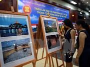 Exposición de fotos y reportajes sobre ASEAN en ciudad vietnamita