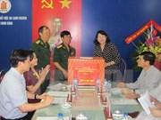 Vicepresidenta de Vietnam otorga becas a niños de provincia sureña de Dong Thap