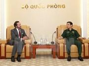 Recibe general vietnamita a líder de corporación francesa