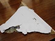 Encuentran nuevo supuesto fragmento de avión malasio desaparecido MH370