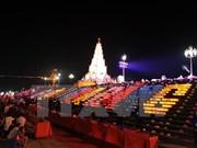 Oran por la paz en Vietnam durante Festival otoñal Con Son – Kiep Bac