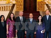 Premier de Vietnam se reúne con director regional de OMS