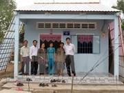 Construyen viviendas para familias pobres en Vietnam