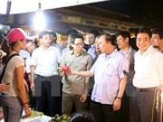 Premier exige más esfuerzos para asegurar inocuidad de alimentos en Hanoi