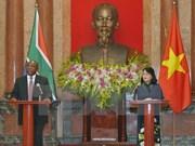 Vietnam y Sudáfrica impulsan cooperación multifacética