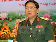 Ministro vietnamita de Defensa recibe a embajadores de Tailandia y Singapur