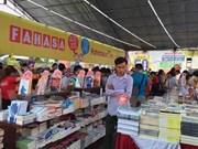 Concluye Feria del Libro de Hanoi 2016