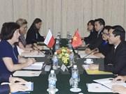 Vietnam y Polonia realizan consulta política