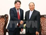 Premier de Vietnam recibe al saliente embajador de Mongolia
