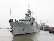 Buque HMCS Vancouver de Canadá visitó Ciudad Ho Chi Minh
