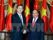 Premier de Vietnam enfatiza solución para impulsar comercio con China