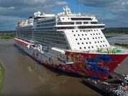 Pasajeros de crucero de lujo hacen una parada en ciudad vietnamita de Nha Trang