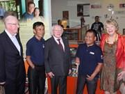 Irlanda presta atención especial a remoción de bombas en Vietnam